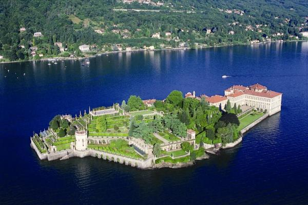 L Isola Bella Sul Lago Maggiore
