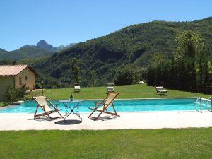 la piscina della villa