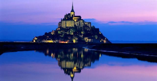 mont-saint-michel notte
