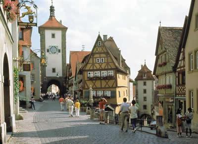 Vacanze al volante: consigli per un viaggio itinerante in Germania