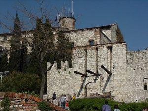 vista del castello di brescia