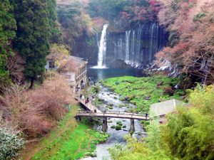 Le cascate Shiraito Falls a Fujinomiya in Giappone