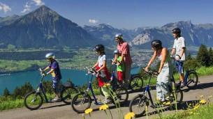 Per le Alpi svizzere con lo scooter Trotti