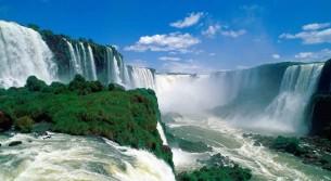 Cascate Iguazu Falls tra Argentina e Brasile