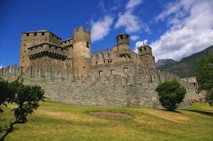 Castello_di_Fenis_-_Totale
