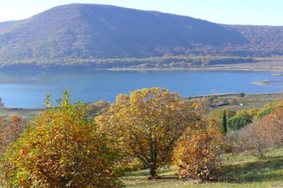 Il lago di Vico vicino a Ronciglione